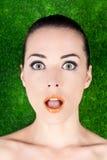 Retrato de una boca hermosa sorprendida de la mujer abierta Imágenes de archivo libres de regalías