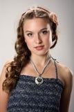 Retrato de una chica joven bonita con el pelo largo Imágenes de archivo libres de regalías