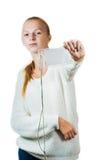 Retrato de una chica joven con la insignia Fotos de archivo