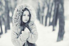 Retrato de una chica joven en invernadero Imagen de archivo