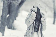 Retrato de una chica joven en invernadero Imagen de archivo libre de regalías