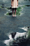 Retrato de una chica joven hermosa de 20 años en un verano d Fotos de archivo libres de regalías