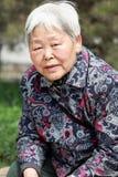Retrato de una más vieja mujer s al aire libre Imagen de archivo