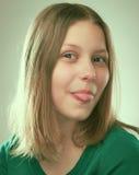 Retrato de una muchacha adolescente alegre Imagen de archivo libre de regalías