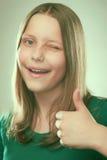 Retrato de una muchacha adolescente alegre Fotos de archivo libres de regalías