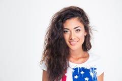 Retrato de una muchacha adolescente sonriente con el pelo rizado Fotografía de archivo libre de regalías