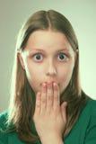 Retrato de una muchacha adolescente sorprendida Imágenes de archivo libres de regalías