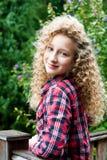 Retrato de una muchacha al aire libre Fotografía de archivo