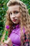 Retrato de una muchacha al aire libre Imágenes de archivo libres de regalías