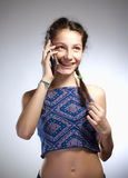Retrato de una muchacha con el pelo marrón Fotos de archivo libres de regalías