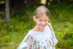 Retrato de una muchacha con la cara divertida Imagenes de archivo