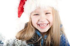 Retrato de una muchacha de risa con los ojos azules en un Ch Imagenes de archivo