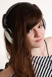 Retrato de una muchacha DJ del yound Imagen de archivo libre de regalías
