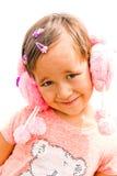 Retrato de una muchacha en una alineada rosada Imagen de archivo