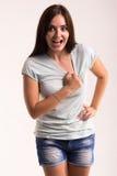 Retrato de una muchacha en una camiseta blanca Fotografía de archivo