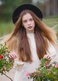 Retrato de una muchacha hermosa fotos de archivo