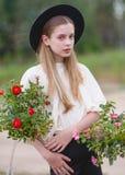 Retrato de una muchacha hermosa fotografía de archivo