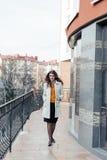Retrato de una muchacha hermosa al aire libre Imágenes de archivo libres de regalías