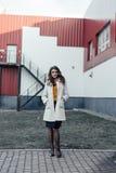 Retrato de una muchacha hermosa al aire libre Imagenes de archivo