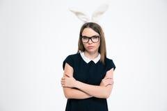 Retrato de una muchacha hermosa con los oídos del conejito Imágenes de archivo libres de regalías