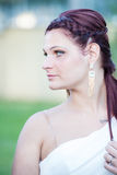 Retrato de una muchacha hermosa con los ojos azules fotos de archivo