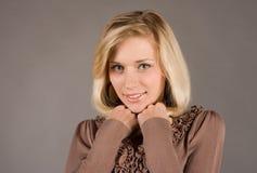 Retrato de una muchacha modesta joven Fotografía de archivo