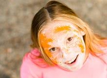 Retrato de una muchacha para el festival indio de los colores Holi Fotos de archivo libres de regalías