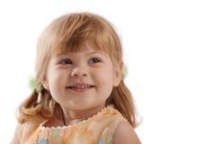 Retrato de una muchacha sonriente fotografía de archivo libre de regalías