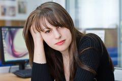 Retrato de una muchacha triguena joven hermosa Fotos de archivo