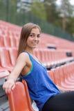 Retrato de una muchacha triguena sonriente Fotos de archivo libres de regalías