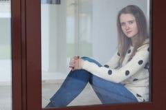 Retrato de una muchacha triste imágenes de archivo libres de regalías