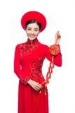 Retrato de una mujer asiática hermosa en coste tradicional del festival Foto de archivo