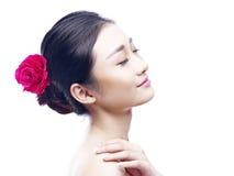Retrato de una mujer asiática joven Imagen de archivo libre de regalías