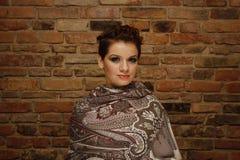 Retrato de una mujer atractiva con corte de pelo corto Imagenes de archivo