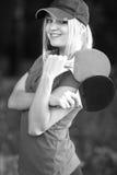 Retrato de una mujer con la estafa de tenis Fotos de archivo libres de regalías