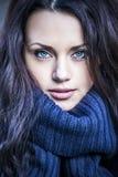 Retrato de una mujer con los ojos azules Fotografía de archivo libre de regalías