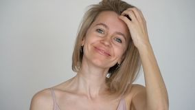 Retrato de una mujer envejecida centro feliz metrajes