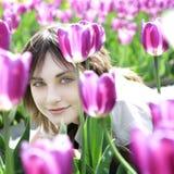 Retrato de una mujer feliz joven Fotografía de archivo libre de regalías