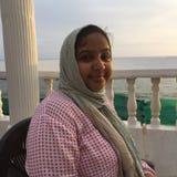 Retrato de una mujer india joven con un pañuelo Foto de archivo libre de regalías