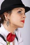 Retrato de una mujer joven atractiva Foto de archivo libre de regalías