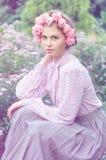 Retrato de una mujer joven atractiva Imágenes de archivo libres de regalías