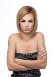 Retrato de una mujer joven, con sus brazos cruzados Imagenes de archivo