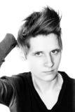 Retrato de una mujer joven en blanco y negro Imágenes de archivo libres de regalías