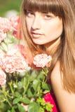 Retrato de una mujer joven hermosa fotografía de archivo
