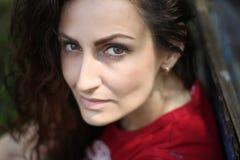 Retrato de una mujer joven fotografía de archivo libre de regalías