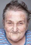 Retrato de una mujer mayor foto de archivo