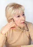 Retrato de una mujer mayor pensativa Fotografía de archivo