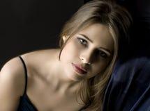 Retrato de una mujer triste joven Imágenes de archivo libres de regalías