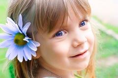 Retrato de una niña de la belleza Foto de archivo