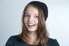 Retrato de una niña sonriente Imagen de archivo libre de regalías